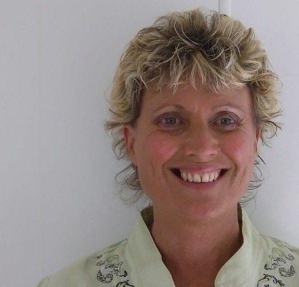 Mrs Beth Shanks